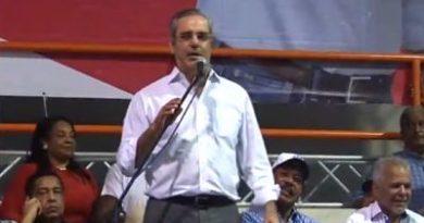 Luis Abinader realiza recorrido en San Cristóbal