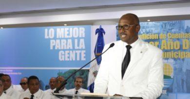 Alcalde SDE destaca buen manejo de su gestión