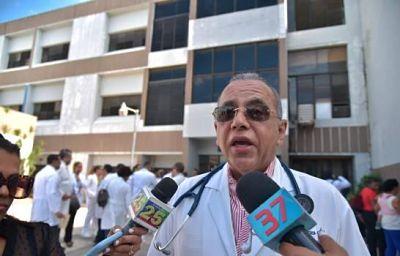 Neumólogo de Santiago se queja por falta de políticas preventivas contra enfermedades