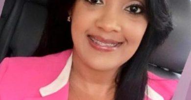 Periodista Johanna Benoit denuncia que desaprensivos vuelven a violentar su vehículo