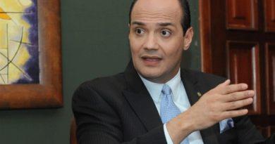 DICE: Ramfis propone reformar los cuerpos castrenses tras lo sucedido con agentes de DNCD en Villa Vásquez