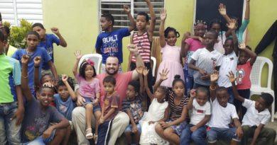 Candidato a diputado, Gilberto Valdez, retomaría iniciativa de sueldo 14 para útiles escolares