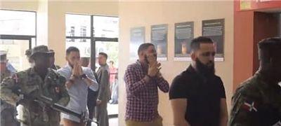 Ratifican prisión preventiva a hermanos implicados en asesinato de pareja en Arenoso