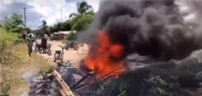 Residentes del sector Barraquito protestan en reclamo de la carretera