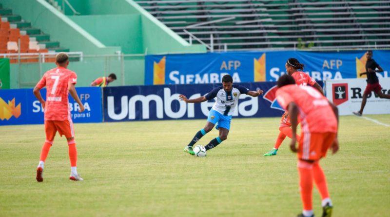 Cibao FC sale triunfal ante el Pantoja en el Estadio Olímpico