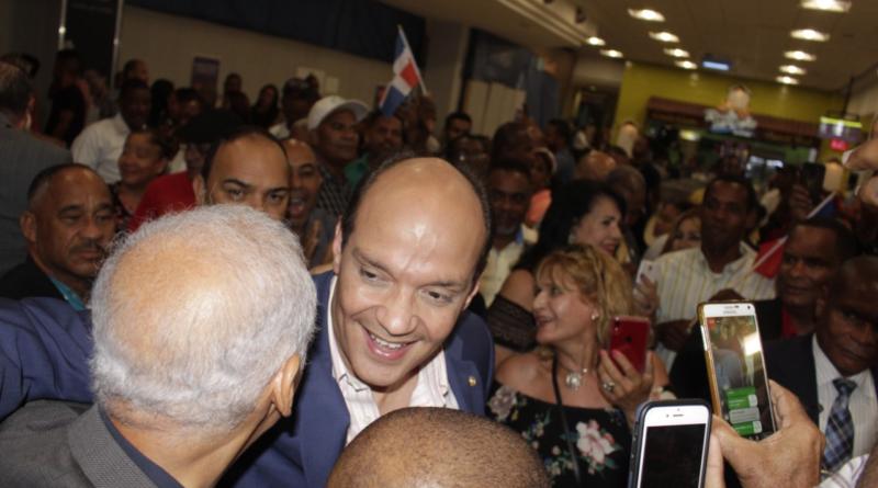 Ramfis Domínguez Trujillo regresa de su gira por Europa y reactiva recorrido por los municipios