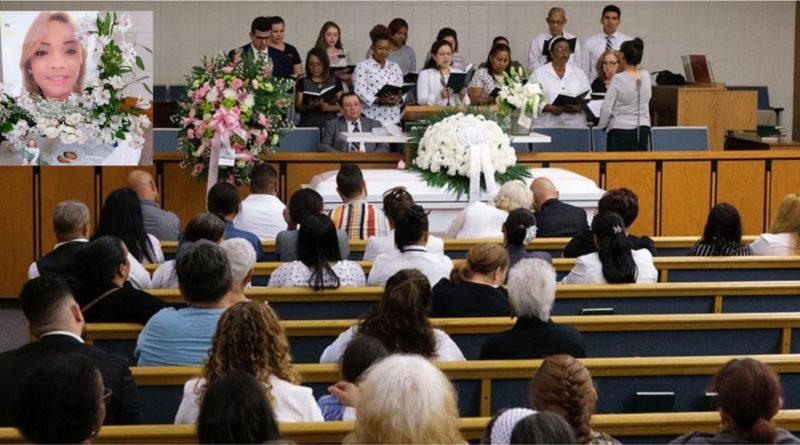 Bebé dominicano quemado en fuego intencional se recupera en hospital de Texas mientras se velaban restos de su madre en Queens