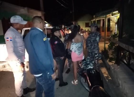 Autoridades rescatan cinco féminas adolescentes en centros de diversión permitían presencia de menores y prostitución