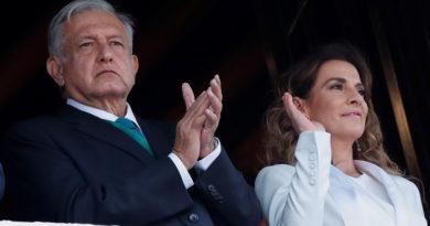 Separan del cargo a un funcionario por haber insultado a la esposa de López Obrador
