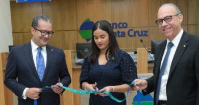 Banco Santa Cruz inaugura sucentro de negocios 37 en Blue Mall