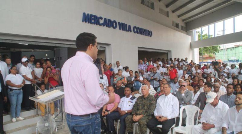 David Collado inaugura remodelación Mercado Villa Consuelo