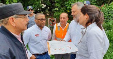 Danilo supervisa avance construcción carreteras Puerto Plata y Navarrete