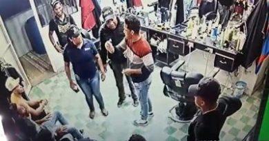 Denuncian exfiscal y agentes de DNCD de caso barbería continúan en cuartel PN de Montecristi
