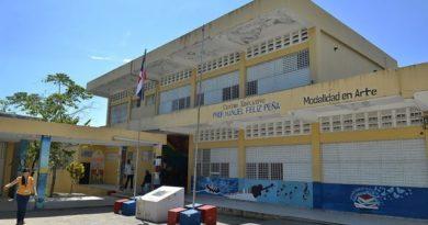 ALERTA: Deterioro afecta el liceo Manuel Félix Peña