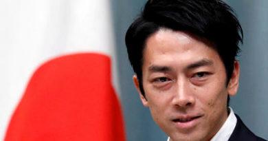 """El ministro de Medioambiente de Japón asegura que la lucha contra el cambio climático debe ser """"divertida"""" y """"sexi"""""""