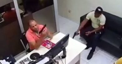 Hombre mata a su amigo de un balazo cuando jugaban con arma, video