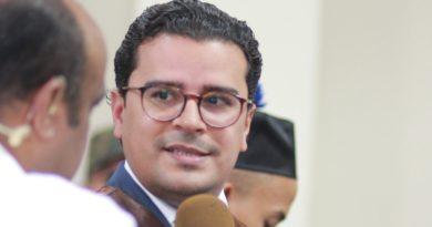 José Hoepelman pide cambio de jurisdicción en caso Emely Peguero por causa de seguridad pública