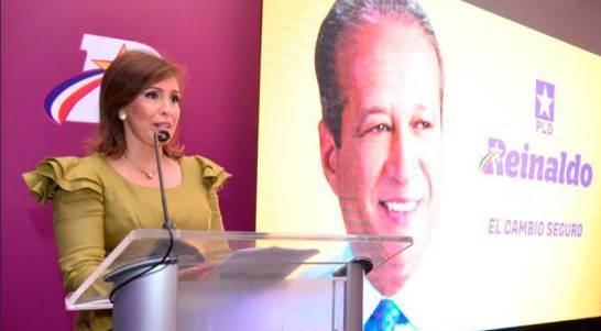 Ingrid Mendoza: Esposa de Pared y exalcalde apoyan a Leonel; éste dice es mayoría en PLD