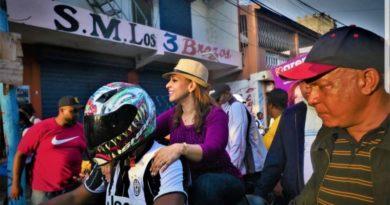 Karen Ricardo encabeza caravanasorpresa