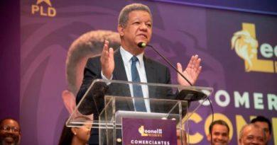 Leonel promete a comerciantes estabilidad cambiaria y crecimiento de la economía