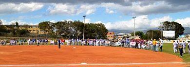 Los Bravos y Gregory encabezan softbol navideño´2019 del Santiago Country Club