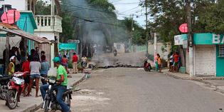 TENSIÓN :Al menos 12 heridos durante enfrentamiento en medio de protestas El Seibo