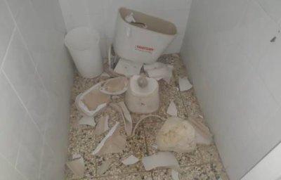 Vándalos destruyen mobiliario de escuela en Barahona