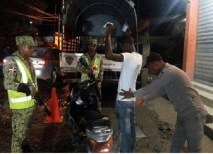 PN apresa a dos antisociales por la comisión de robos y asaltos en La Victoria y Sabana Perdida