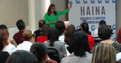 Presentan evolución reciente del mercado laboral a empresarios de Haina