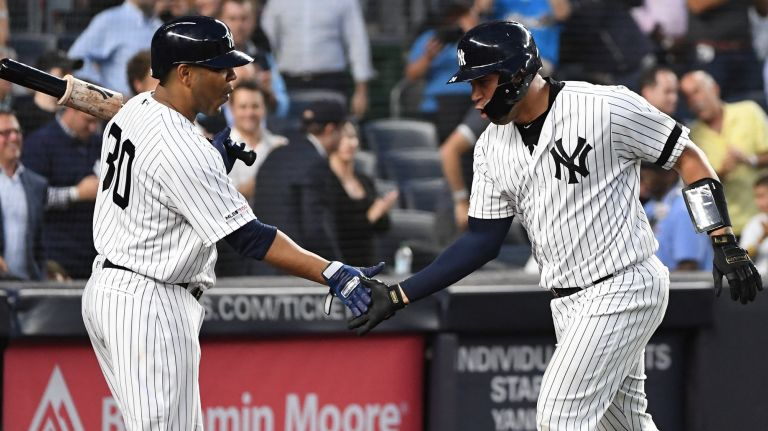 Edwin Encarnación y Gary Sánchez guían Yankees sobre Boston