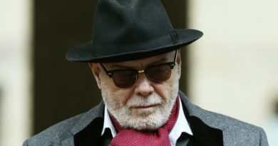 Cantante encarcelado por pedofilia ganaría cientos de miles de dólares por el uso de una de sus canciones en 'El Guasón'
