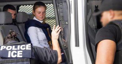 El avión con María Bútina a bordo aterriza en Moscú tras su liberación de prisión en EE.UU.