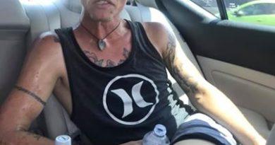 La madre de un adicto muestra fotos de cómo la droga cambió a su hijo en tan solo 7 meses para alertar a la comunidad