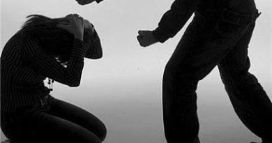 Arrestan hombre tras golpear a dos mujeres en SFM