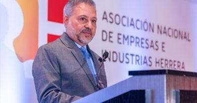 Presidente Asociación Empresas Herrera llama escuelas replantear misión