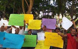 Cancelados de la alcaldía de Santiago marchan en reclamo de sus prestaciones