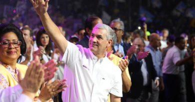 Gonzalo se proclama ganador y saluda participación de Leonel