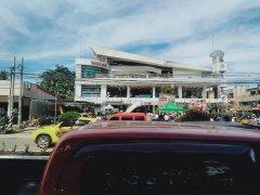 Primeras imágenes: Un nuevo terremoto causa serias destrucciones y derrumbe un hotel en Filipinas