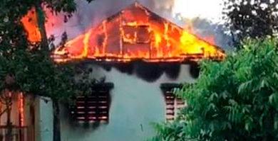 Incendio destruye unas 10 casas en comunidad de Puerto Plata