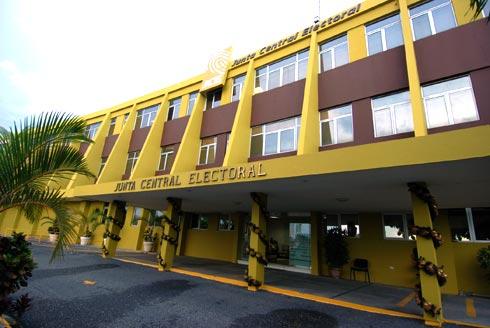 La JCE solicita declaración de gastos e ingresos a los candidatos