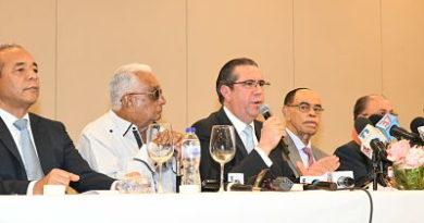 Miembros del Comité Politico del PLD respaldan a Gonzalo Castillocomo ganador de primarias