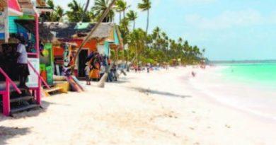 Empresario exige al presidente Medina rescate urgente de las playas Bávaro