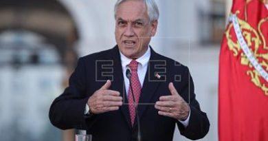 Presidente de Chile pide renuncia a todos sus ministros para poder estructurar un nuevo gabinete