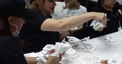 Junta de Santiago inicia conteo manual