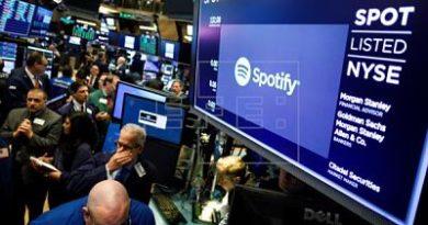 """Spotify sube un 15 % en bolsa por resultados y """"éxito inicial"""" de sus podcast"""