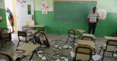 Varias estudiantes heridas tras caerle encima empañete del techo de una escuela