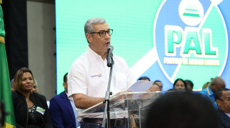 PAL PROCLAMA A GONZALO CASTILLO COMO SU CANDIDATO PRESIDENCIAL