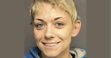Una mujer de Massachusetts enfrenta cadena perpetua por tráfico de drogas en base a regla de los tres golpes