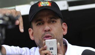 El opositor Camacho afirma que la Policía y el Ejército buscan a Evo Morales para arrestarlo
