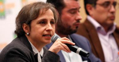 """Carmen Aristegui: """"Usar a los medios para validar un golpe de Estado es muy peligroso"""""""